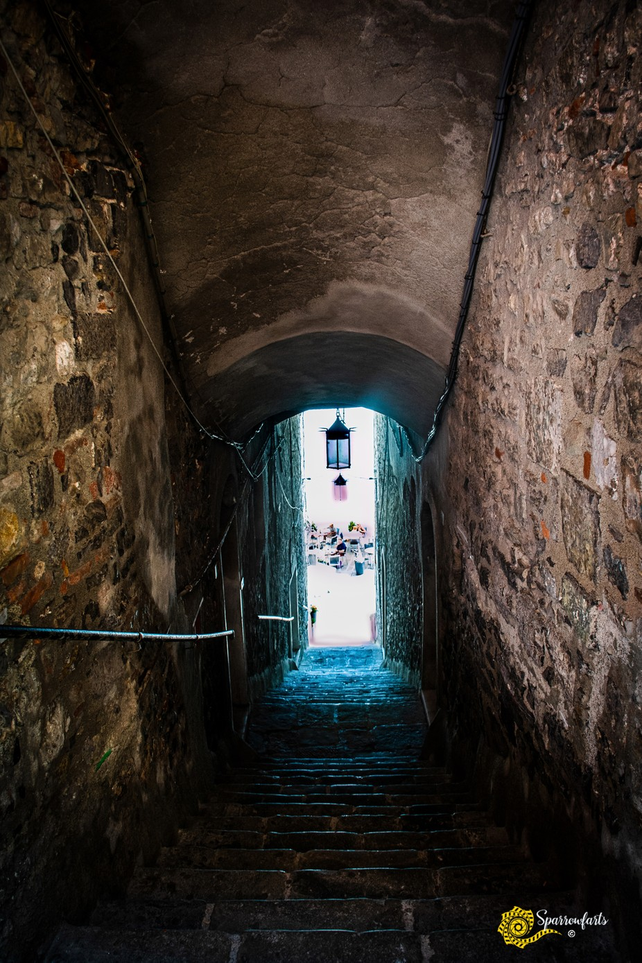ISO 400 - 18mm f/5.0 1/100sec  Wandering the streets of the Old City of Porto Venere
