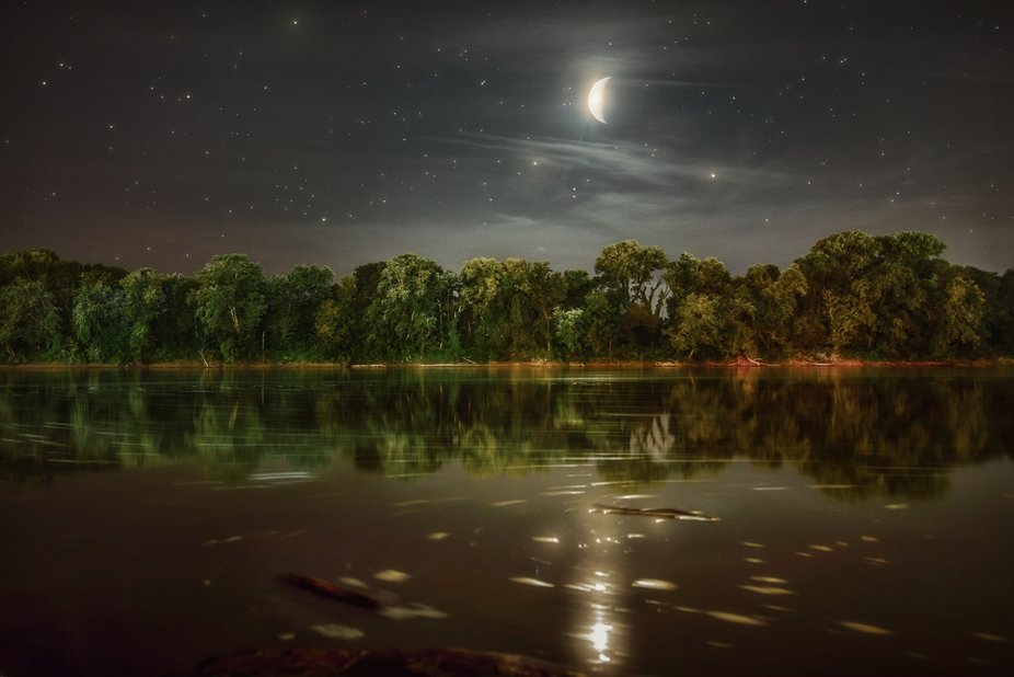 Shot using a 20 second exposure just after 10pm off the bank of the River Walk in McGregor Park, ...