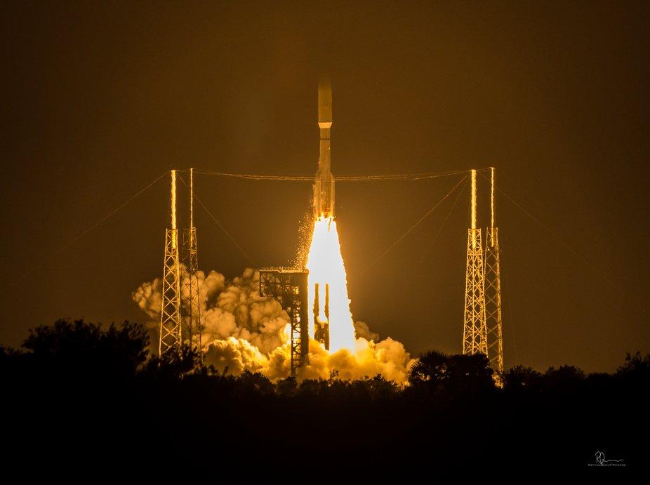 ULA Atlas V carrying AEHF5 military communications satellite. 080819