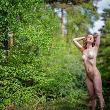 The fabulous Jai, naked in the woods of Hampshire.