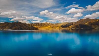 Form shores there himalayan lake
