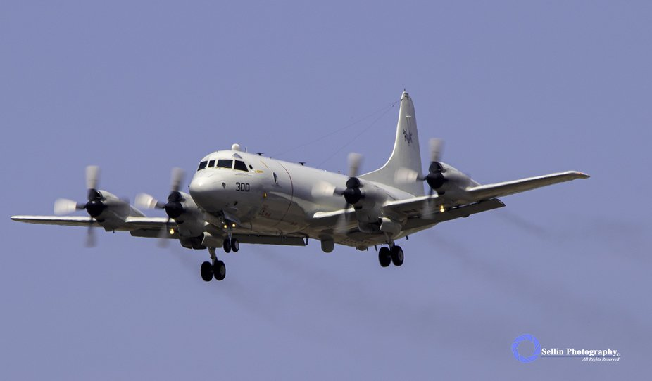 """""""Bloodhound Orion"""" VX-30 """"Bloodhounds"""" Lockheed P-3 Orion pre..."""