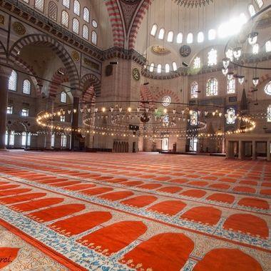 Interior de laMezquita grande de Estambul (Turquia)