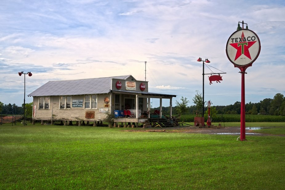 Driving through the eastern part of Arkansas, I came across this site.  It was once a diner and c...