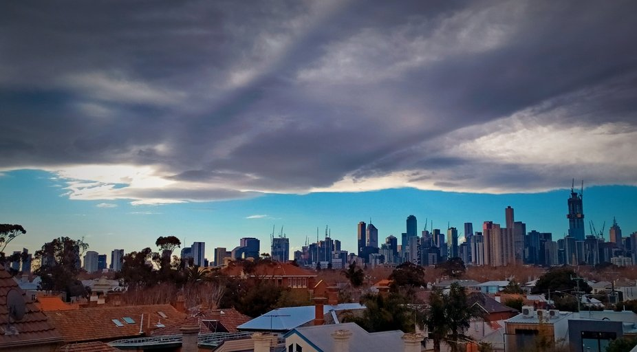 Panorama of melbourne city  whilst covered in a blanket of cloud