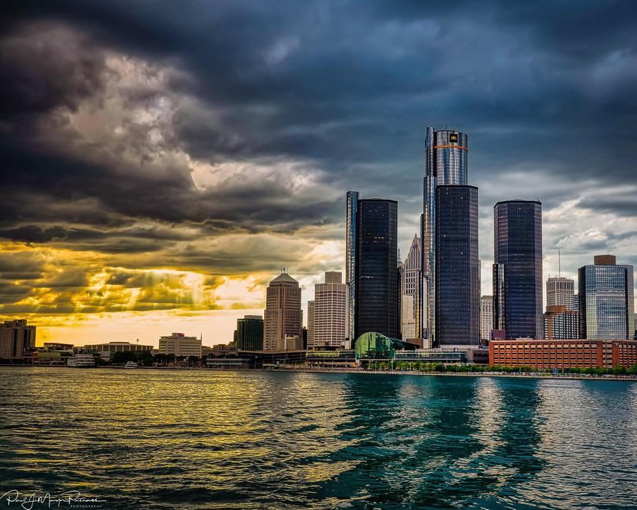 Detroit Ren Center