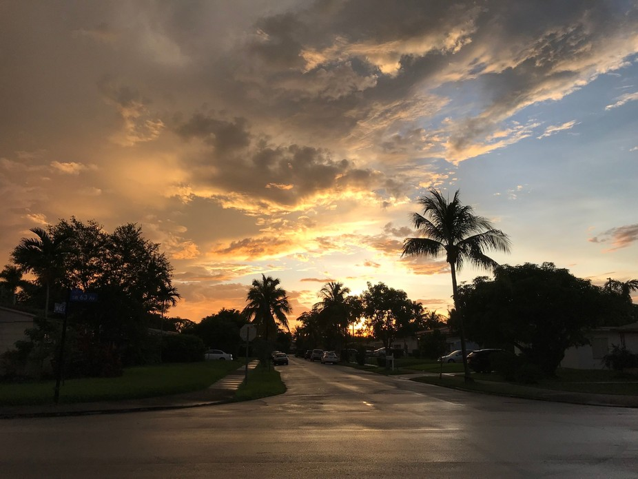 Sun set after the last outer rain bands of Hurricane Dorian in South Florida