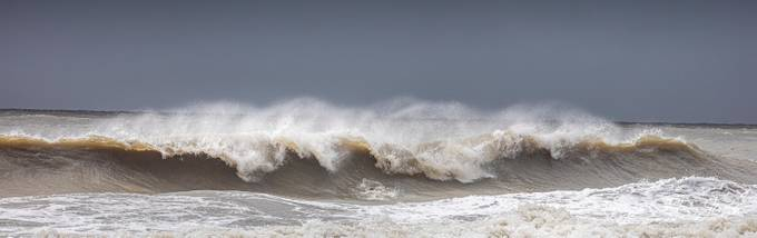 Waves on Folly