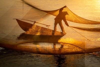 Cleaning Fishing Net  II Hue Vietnam