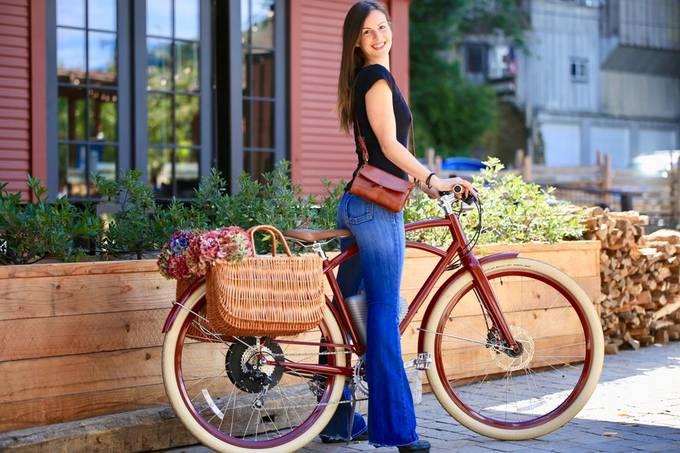 Market Ride. Canon 6D, Tamaron G2 70-200 f/2.8 advertisement photo session