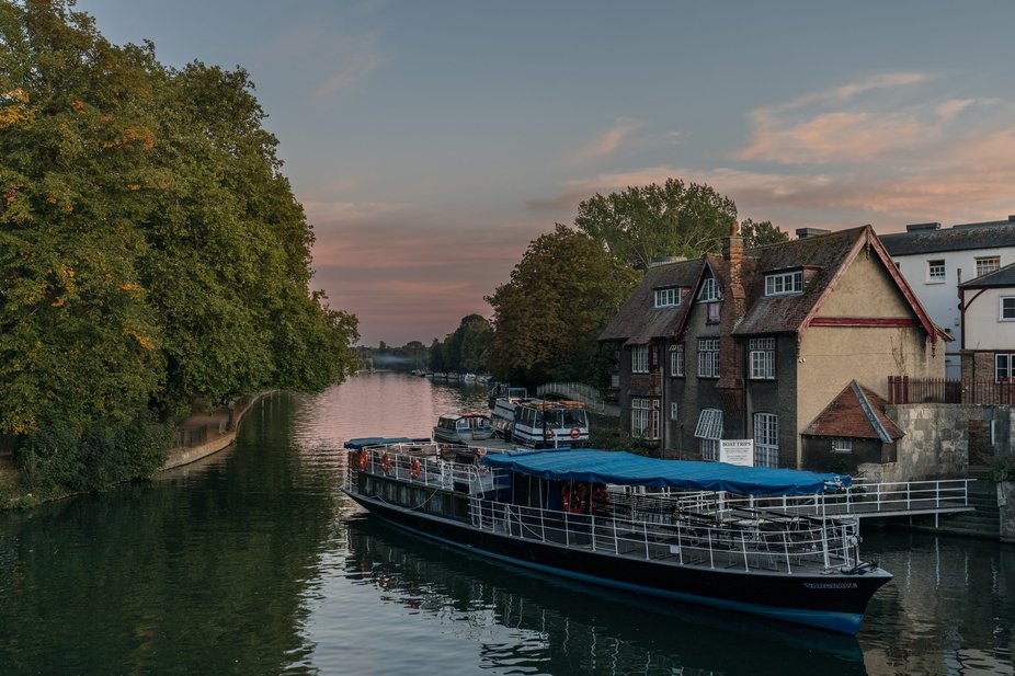 River Isis, Oxford  September 2019    As daylight dwindles, crepuscular colours start to emblazon...