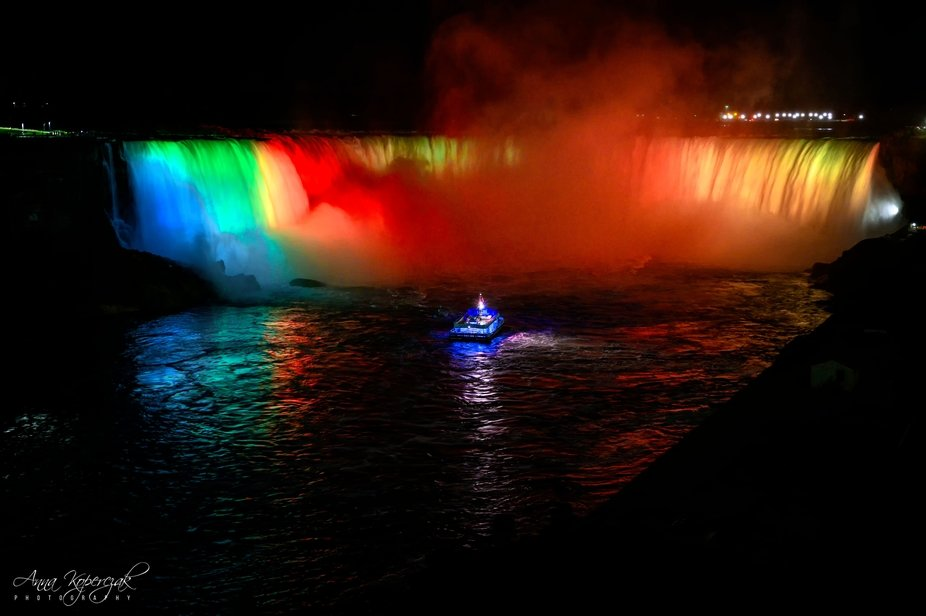 Horseshoe Falls Lit up at Night with Maid of the Mist