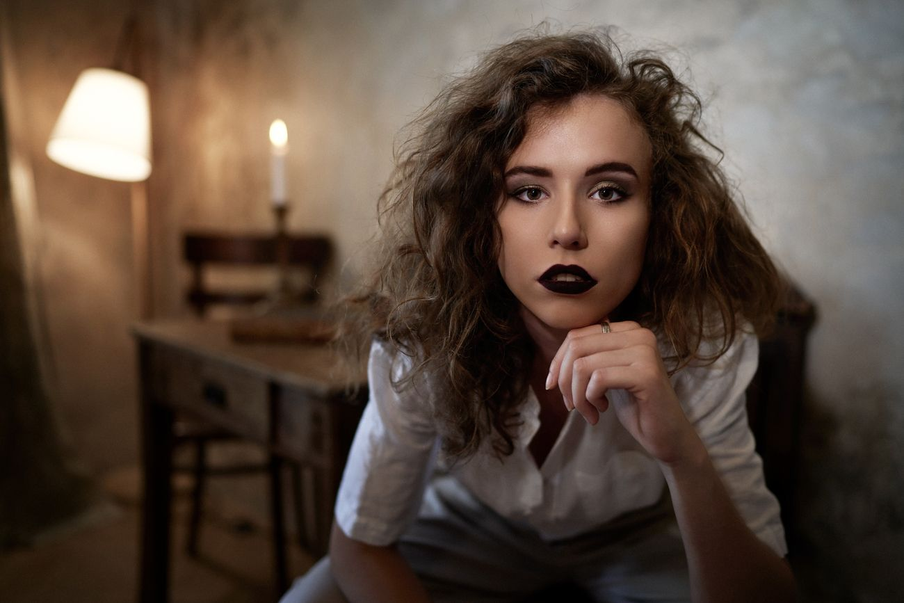 Creative Indoor Portraits Photo Contest Winners