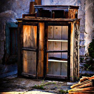 DSC_7083_pe_ Old Cupboard.