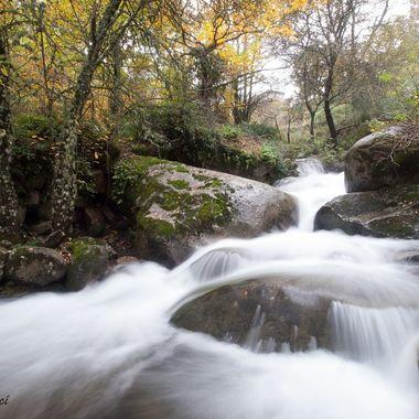 Paisaje otoñal del Rio Francia (Sierra de Francia-Spain)