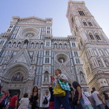 Fachada del Duomo o Catedral de Florencia , en la Toscana (Italia).
