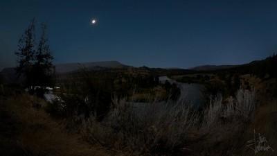 Total Eclipse over the Deschutes