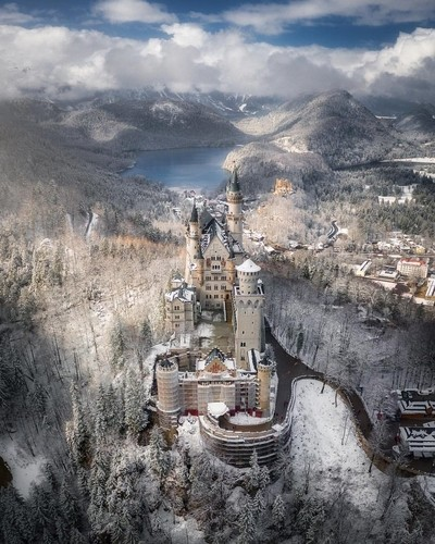 A wintry morning at Neuschwanstein Castle