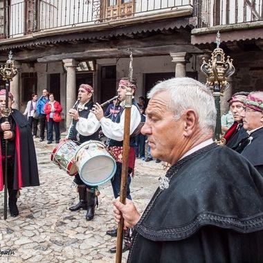 Musicos tradicionales de la cultura popular, que se conserva en las regiones del Oeste y Sur de España. Presente tanto en las fiestas religiosas como civiles.