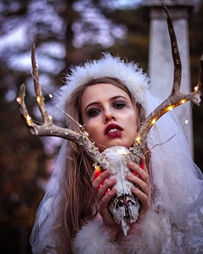 One of my favorites from last fall...???? • • • • • • • • • • • • • • • #Tbt #TheSkullBride #ModelSearch #AGameOfTones #Project_Soul #GramKiller #FeatureCollective #DarkBeautyMag #PulseFilm #WithHumans #IG_Muse #DepthObsessed #TheFolkProject #PortraitPage