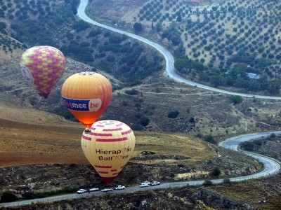 Balloons over Pamukkale 19.10.10 935 ed