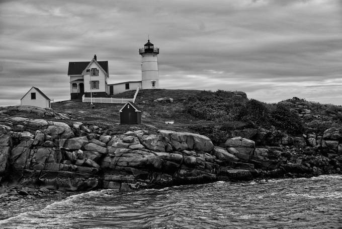 DSC04349 -1A Nubble Light.bw