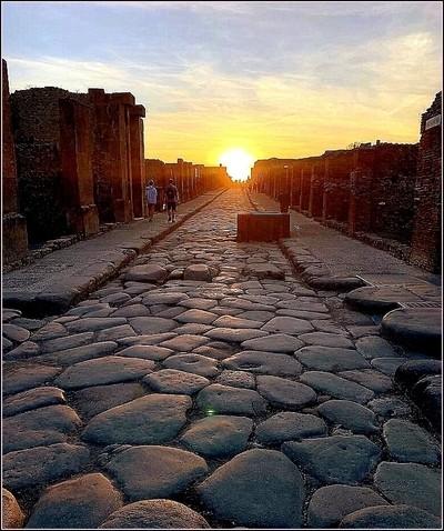 Bel tramonto a Pompei.