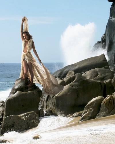 Kristen and the Sea
