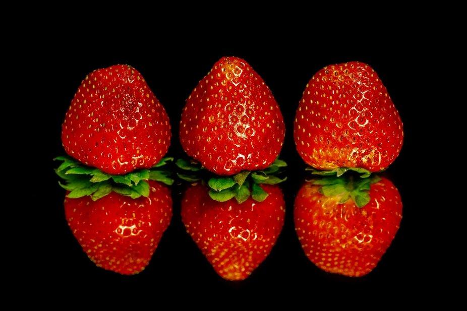 3 srawberries