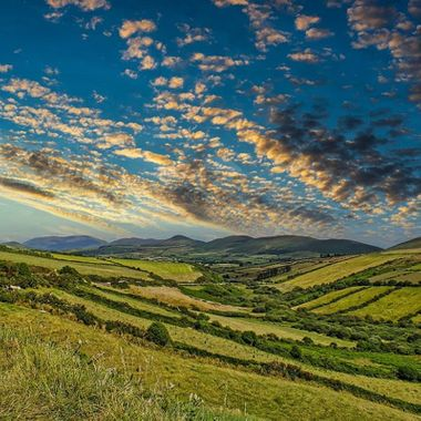 Beautiful sunset near the Dingle bay  #autohash #Dingle #Ireland #CountyKerry #cropland #agriculture #nature #sky #outdoors #rural #travel #traveling #visiting #instatravel #instago #vineyard #landscape #countryside #hill #pasture #field #summer #crop #growth #mountain #farm