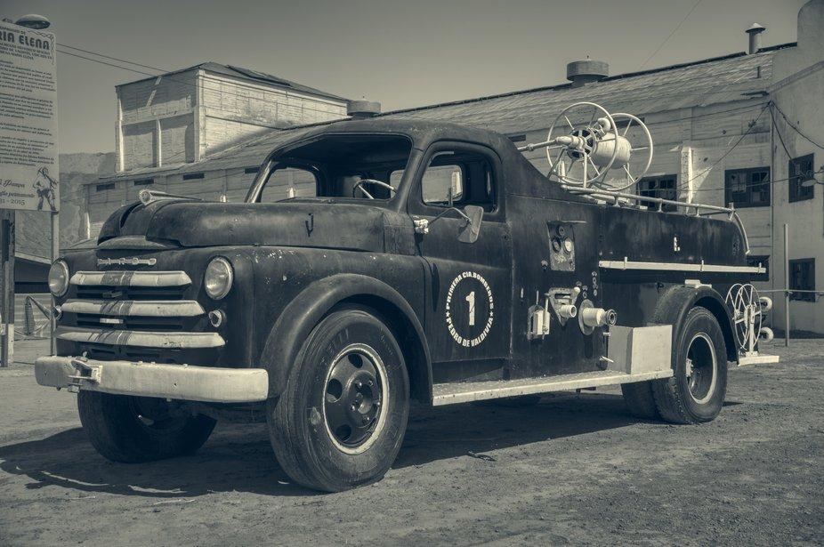 Carro Bomba de la Primera Compañía de Bomberos de la Salitrera Pedro de Valdivia. Salitrera cerrada el año 1996.