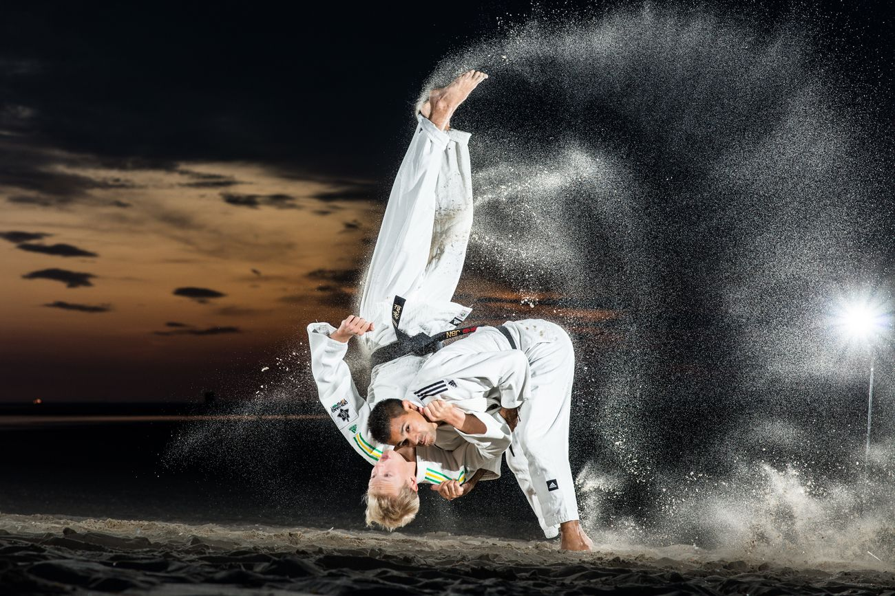 Judo session on the beach with judokas Tim Houwing and Ian de Man from Lu Gia Jen. 
