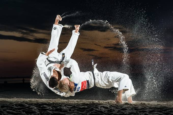 Judo session on the beach with judokas Tim Houwing and Ian de Man from Lu Gia Jen. 20190915 048.JPG