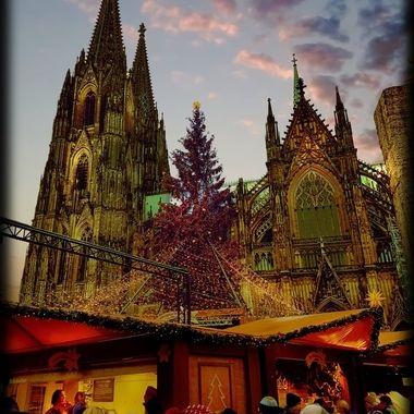 Ls-Koln1_pe  Cologne Xmas Market.