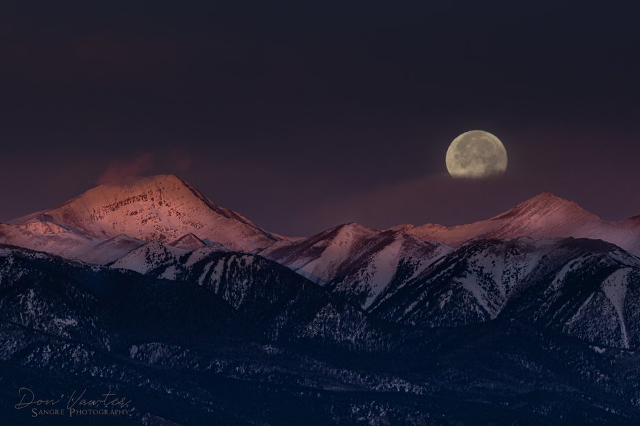 Moonset over Sangres