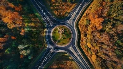 Autumn roundabout