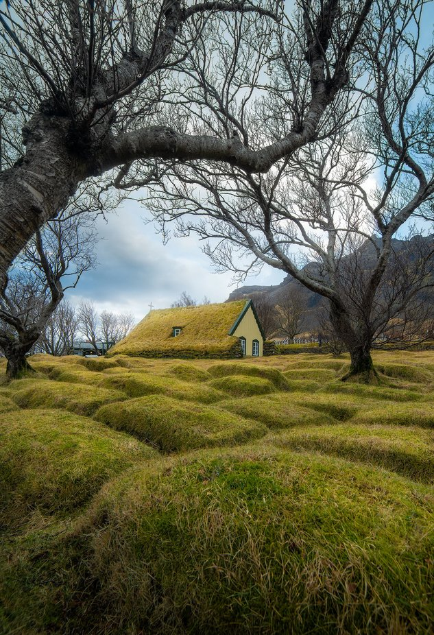 Icelandic Church by Thokuipers