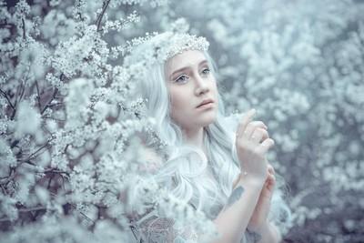 Enchanted Flowers - White Angel