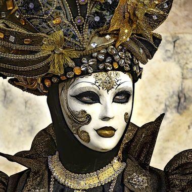 Haute Couture Italia Donna Ingioiellata