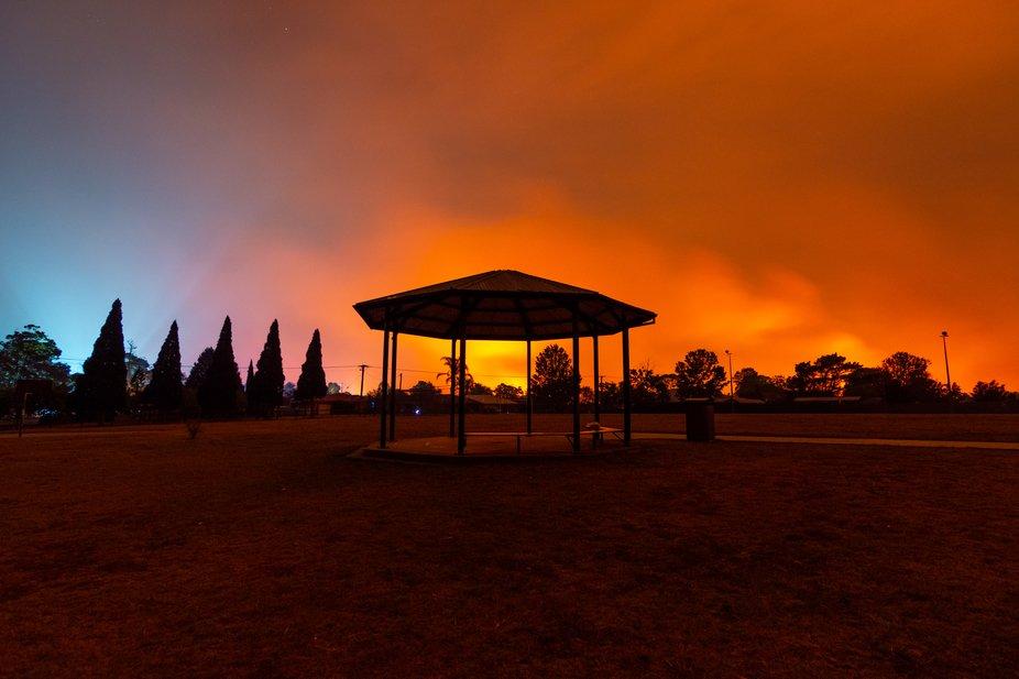 Green wattle creek Bushfire emergency, Buxton, fire glow in sky.