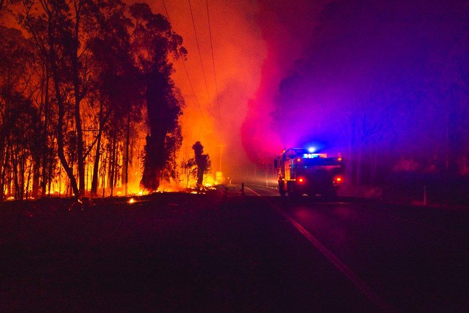Green wattle creek Bushfire emergency, Buxton NSW.