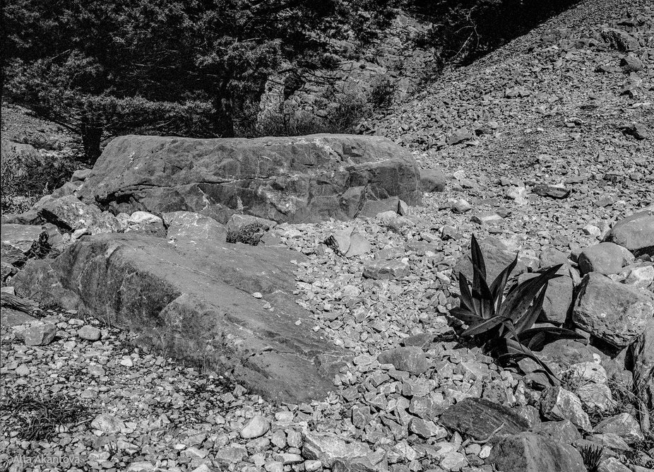 Stones Of Gorges