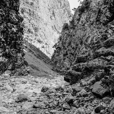 Stones Of Gorges 4