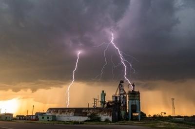 Lighting In Nebraska
