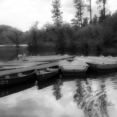 Boat Dock at Lynx LakeI_B&W_MG_7418