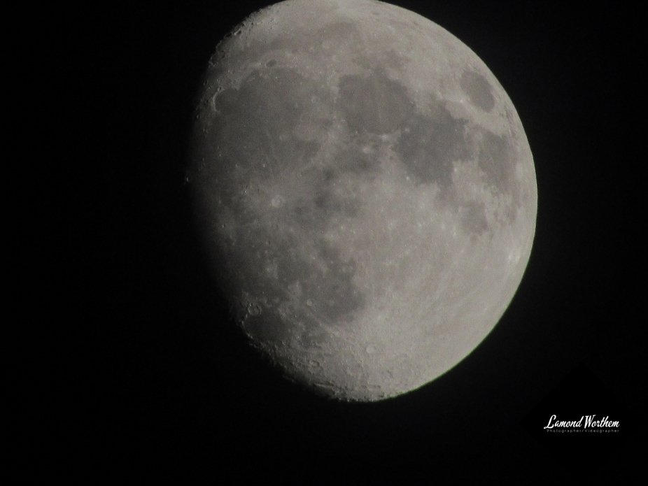 My Canon PowerShot SX530HS camera taken some cool shots at the moon in the dark. I'll be...