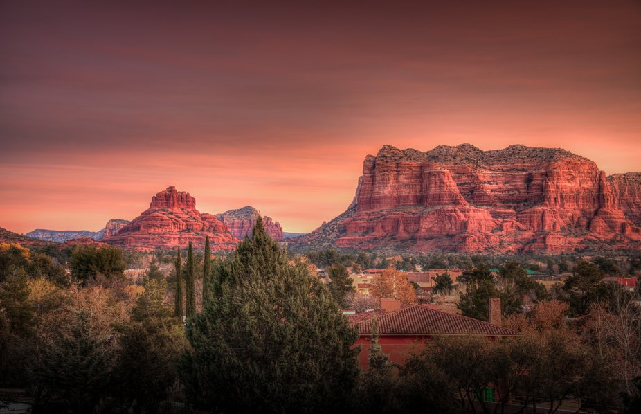 We arrived in Sedona Arizona yesterday from the Grand Canyon and, in a rare move, I set my alarm ...