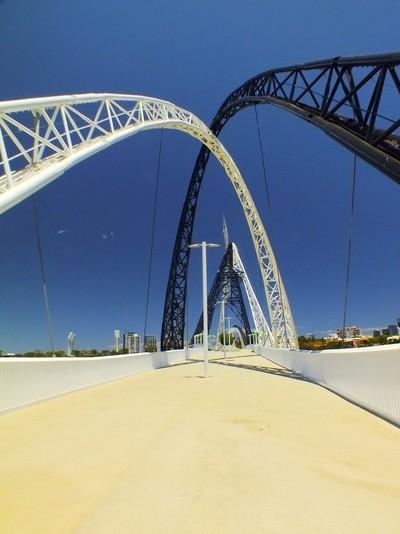 Swan River Bridge.