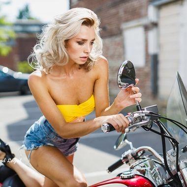 Outdoor shooting with Dominika on a Honda motor bike