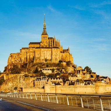 Le Mont Saint-Michel in full sunlight.